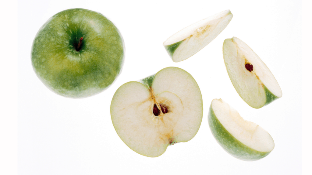 Can dogs eat apple fruits